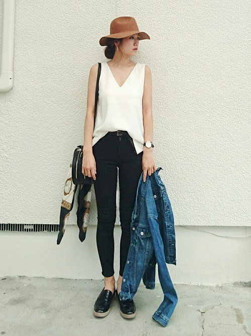 Japanese fashion trend in 2018 white color example 1