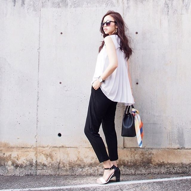 Japanese fashion trend in 2018 white color example 3