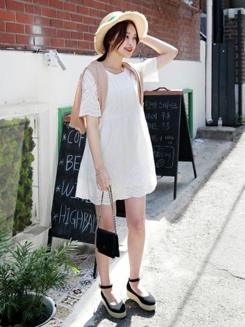 Japanese fashion trends white color 2